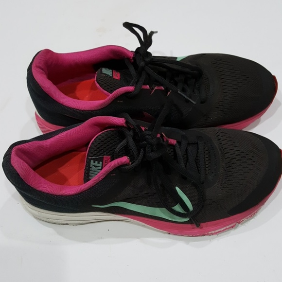 online retailer 76316 bf7a8 Nike structure 17 women's athletic shoes size 8😁